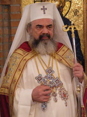 patriarhul-daniel-180