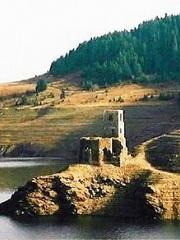 biserica-de-sub-lac-180